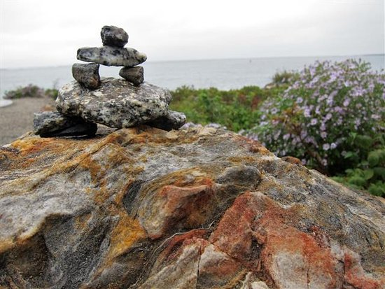 Marshall Point Lighthouse Museum: Our Inukchuk at the Lighthouse