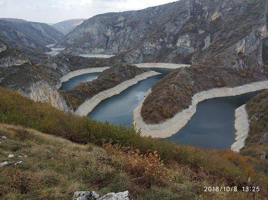 Nova Varos, เซอร์เบีย: פיתולי נהר האובץ