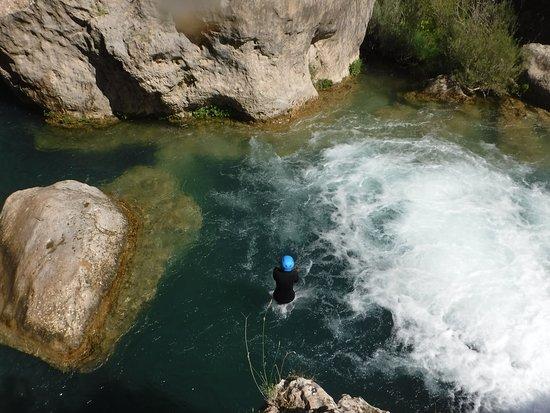 Talamanca de Jarama, Spain: Saltando en los barrancos de Cuenca