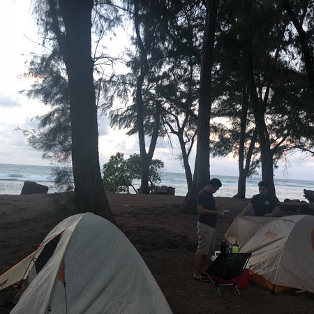 Anahola Beach Park: Camped here for one night and it was awesome.