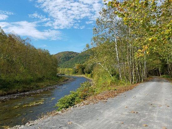 Cedar Run, PA: Pine Creek and Rail Trail