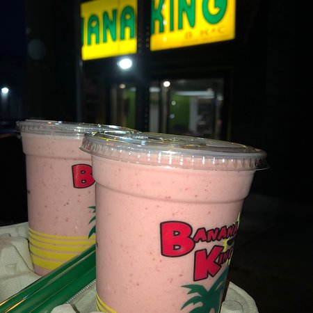 Passaic, Nueva Jersey: Strawberry and banana shakes