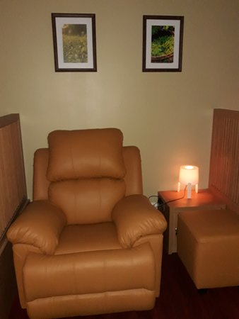 Tannaya Luxury Reflexology