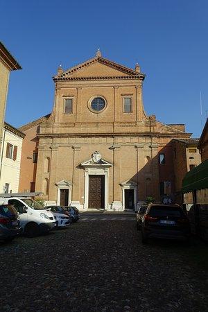 Jesuitterkirke tæt på Castello Estense