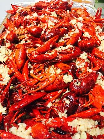 Live Crawfish & Seafood Restaurant: Live Louisiana Crawfish with Flavor Bomb sauce and Medium Spice  #Livecrawfishmd