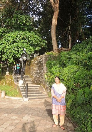 Mahe, Indien: Steps leading to the Hillock