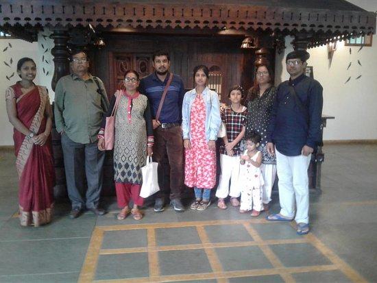 Kunjithanny, Ấn Độ: Happy guest Mr Sourav Metha and family.