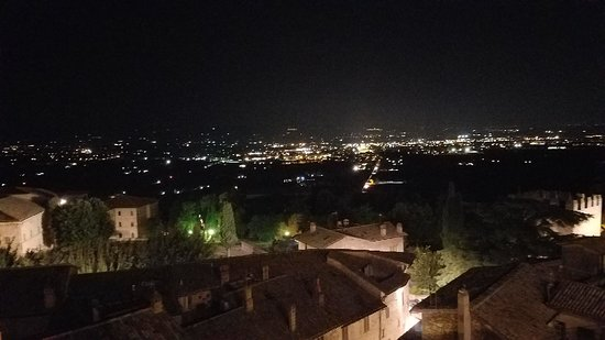 Hotel Giotto Assisi: 20181010_202651_large.jpg