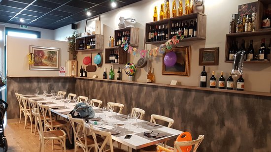 Bomporto, Itália: Allestimento tavolata familiare per compleanno di mio figlio