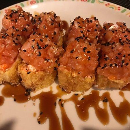Tsuki: Sake roll senza riso