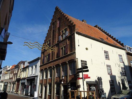 Gotisch woonhuis te Tiel