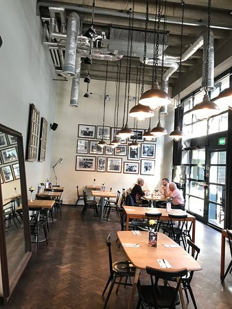 London Wall Bar Kitchen City Of London Restaurant Reviews Photos Phone Number Tripadvisor