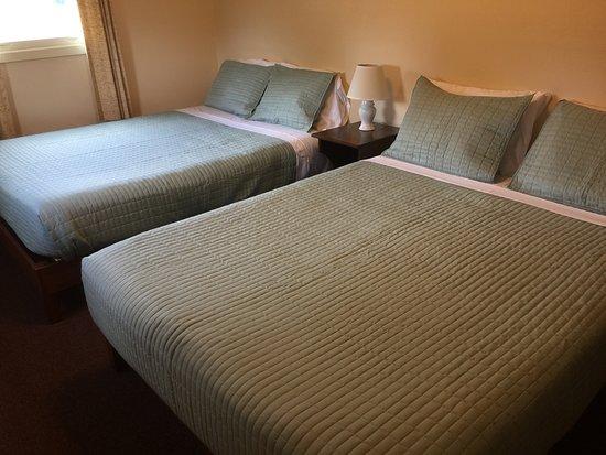 Durham, NY: Bungalow bedroom