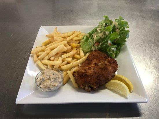 Ozoir-la-Ferriere, Frankreich: Fish and cheeps