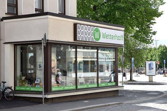 Haemeenlinna, Finland: Wetterhoff-myymälä sijaitsee Hämeenlinnassa Wetterhoffin talossa.