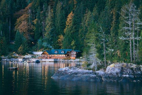 Desolation Sound, Canada: Fall day at Homfray Lodge