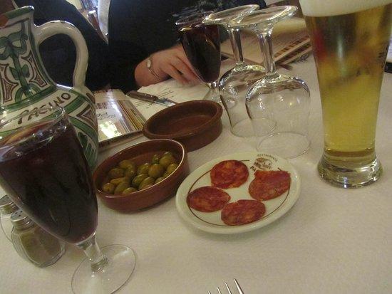 Sallent de Gallego, สเปน: les apéritifs : sangrias très bonnes