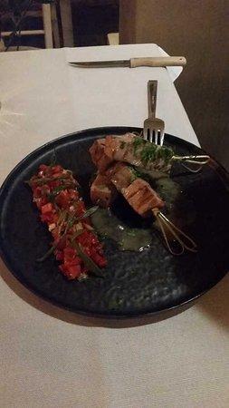 Εστιατόριο Μέδουσα: Thun Souvlaki in sashimi Qualität und auf den Punkt gegart