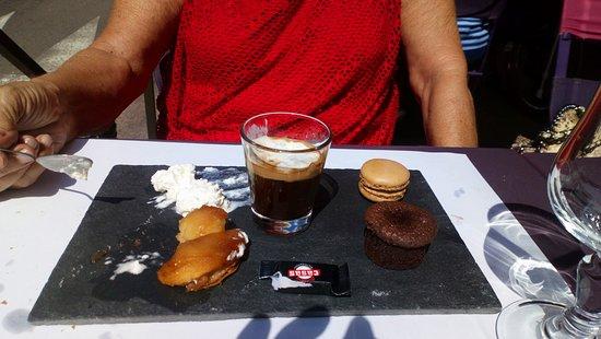 Vernet-Les-Bains, Γαλλία: un café gourmand!!