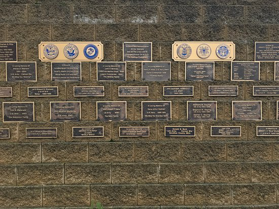 Levee Park: 10-05-18 The Memorial Wall
