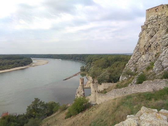 قلعة ديفن: IMG_20180919_112359_large.jpg