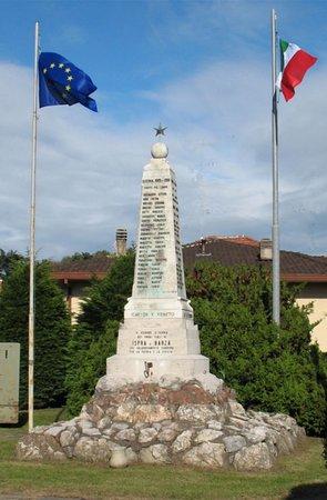 Monumento ai caduti di Ispra e Barza