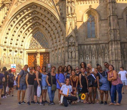 Barcelola Tours