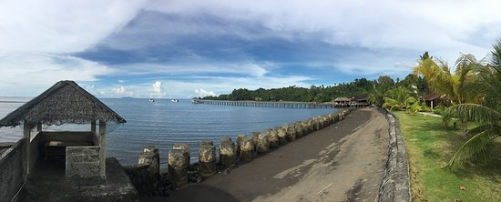 Wori, Indonesia: pano of Cocotinos from edge of property