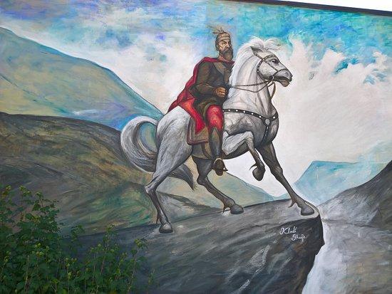 Spezzano Albanese, อิตาลี: Murales di Scanderbeg in Piazza delle Repubblica