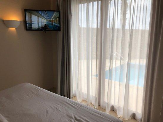 Schlafzimmer 2 Fernseher Picture Of Ikaros Beach Resort Spa