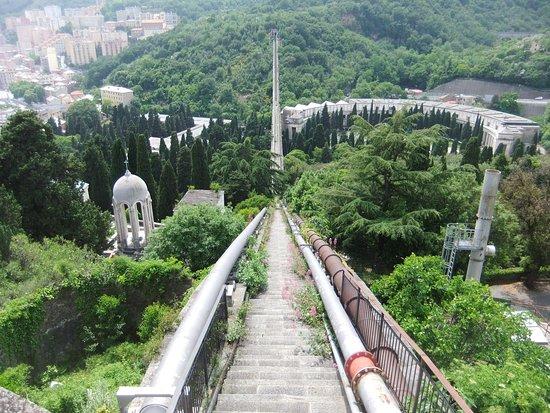 Sentiero dell' Acquedotto Storico di Genova