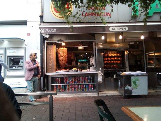 Tatseven Restaurant: Kebab sa slike je fantazija.