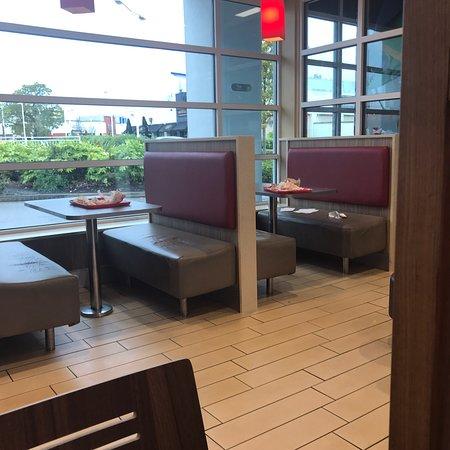 Burger King Ellesmere Port - Cheshire Oaks Outlet Vlg - Restaurant Reviews Phone Number