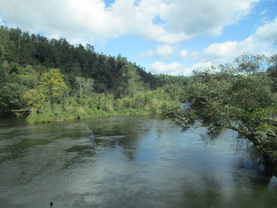 Etowah, TN: Beautiful views of the river