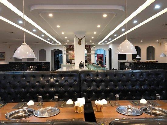 Tuyen Quang, Vietnam: không gian trong nhà hàng