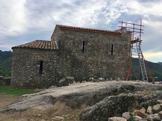 Meyras, ฝรั่งเศส: La chapelle, en cours de retauration, renait de ses cendres ....