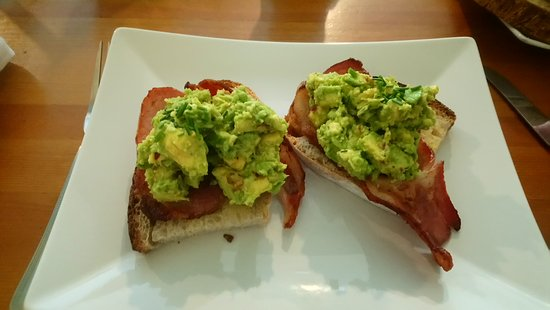 Hatherleigh, UK : Avocado on sour bread toast