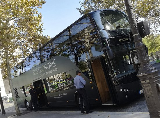 Paris City Tour and Lunch by Luxury Bus: Le Bustronome