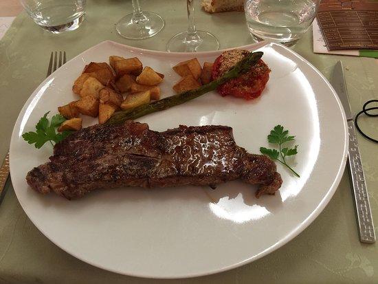 Brousse-le-Chateau, França: viande