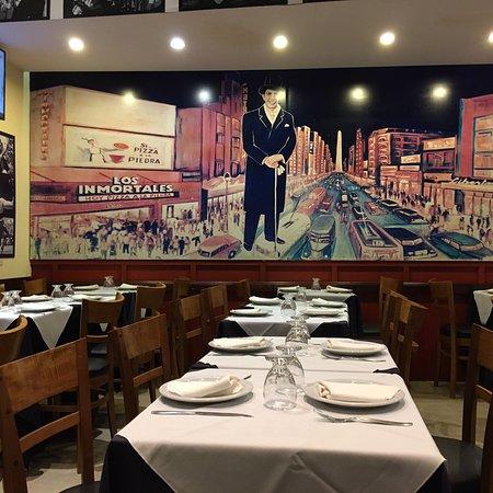Nordelta, Argentina: Vista do mural do restaurante!