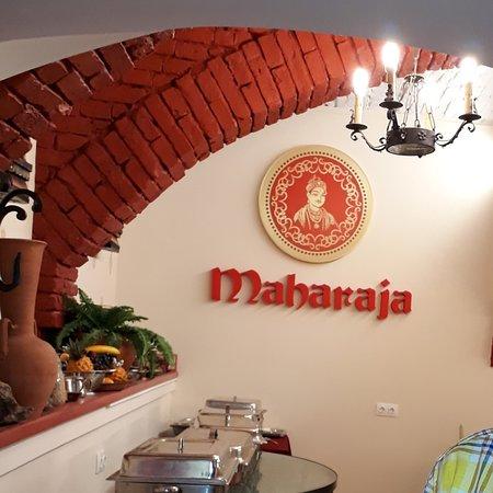 4131fe2056 Maharaja City Indian and Himalaya Nepali Restaurant: The Indian theme