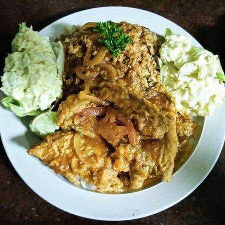 Village 1831 Restaurant: Steamed Grouper Dinner w/Peas n rice potato salad and Cole slaw