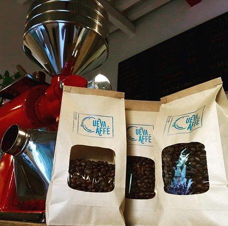 Tenemos café en grano o molido al gusto. Llévate desde 1/4 de kilo