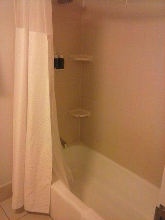 Landover, MD: Shower