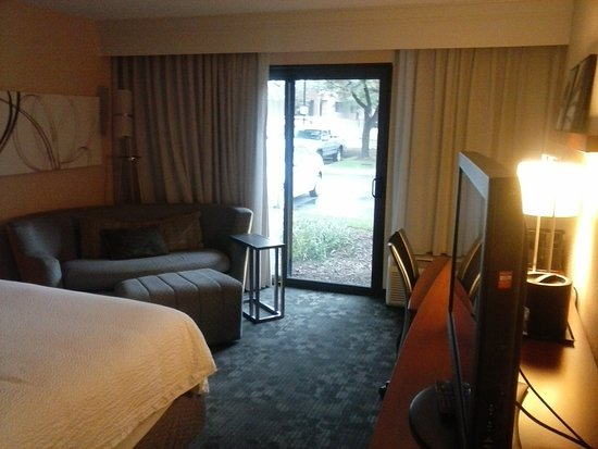 Landover, MD: Room