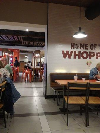 Auderghem, Belgique : Inside the Burger king