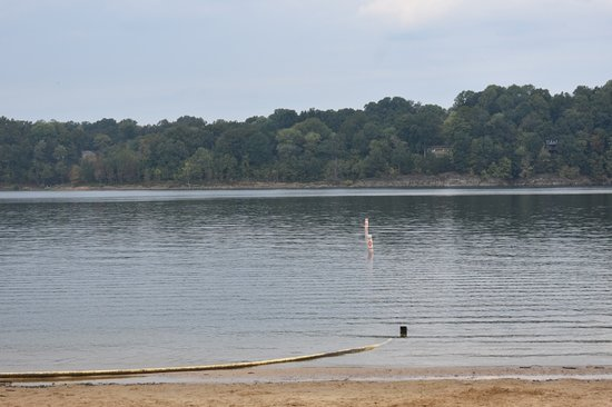 Lucas, KY: Swimming at lake area