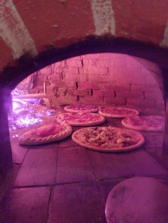Alijo, Portugal: forno cheio