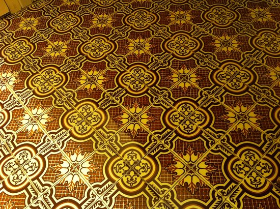 Santa Nella, CA: Bathroom floors