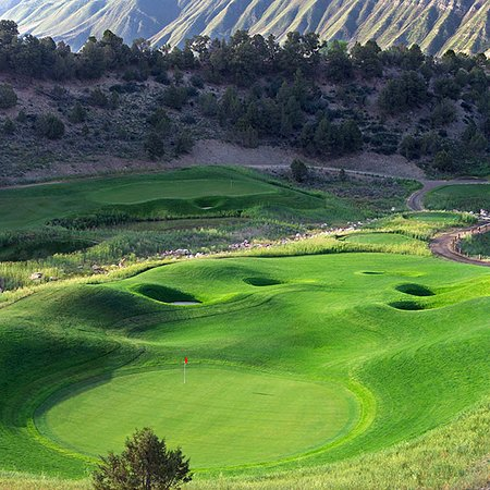New Castle, CO: With fast greens and a true roll, what more can you ask for!